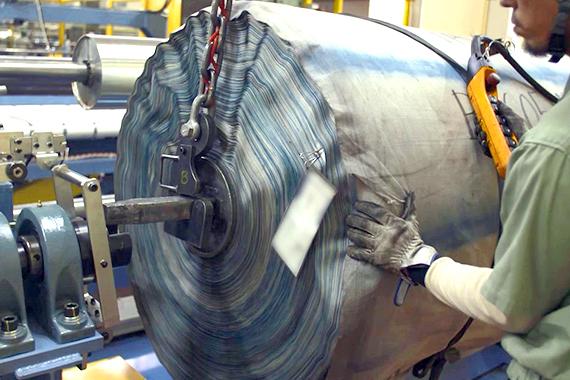 横浜ゴムの材料加工工程